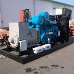 800 kVA-es Perkins motoros automatikus áramfejlesztő aggregát