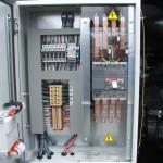Kapcsolószekrény kézi vezérlésű áramfejlesztő aggregáthoz