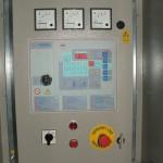 Régebbi automatikus áramfejlesztő aggregát vezérlőszekrény